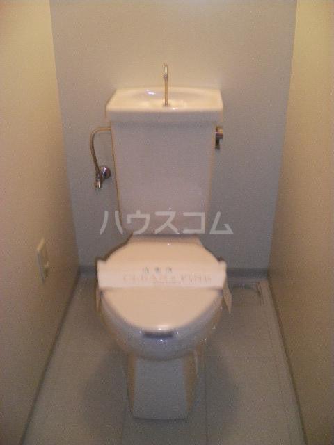 サンプレミール浦和 103号室のトイレ