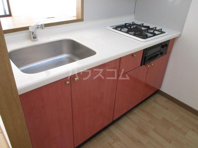 サンプレミール浦和 302号室のキッチン