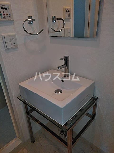 Libert(リベルテ)登戸 405号室の洗面所
