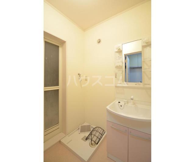 メゾン太陽II 101号室の洗面所