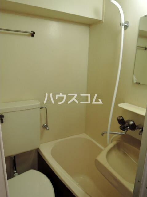 NYコート金沢 0205号室の洗面所