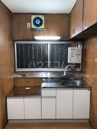 八景台荘 101号室のキッチン