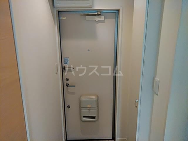リバーチェ横浜東蒔田 204号室の玄関