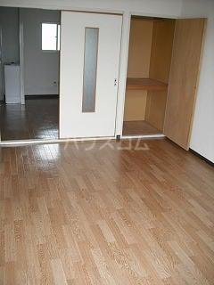 ニューシティパートⅢ 02010号室のリビング