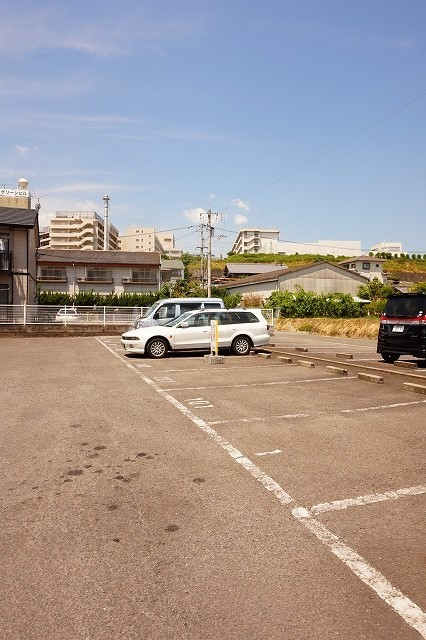 ニューシティパートⅢ 02010号室の駐車場