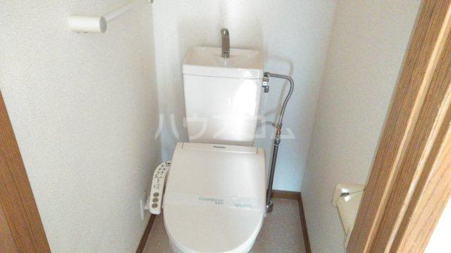 サンパティーク 402号室のトイレ