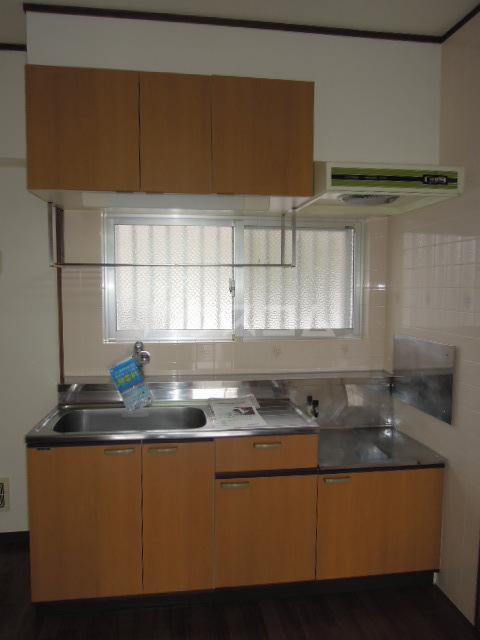 メゾンヘスティア 202号室のキッチン