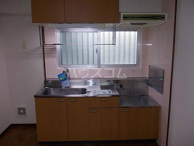 メゾンヘスティア 302号室のキッチン