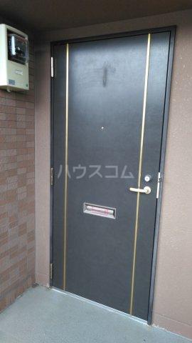ピュアー双葉 01020号室のエントランス