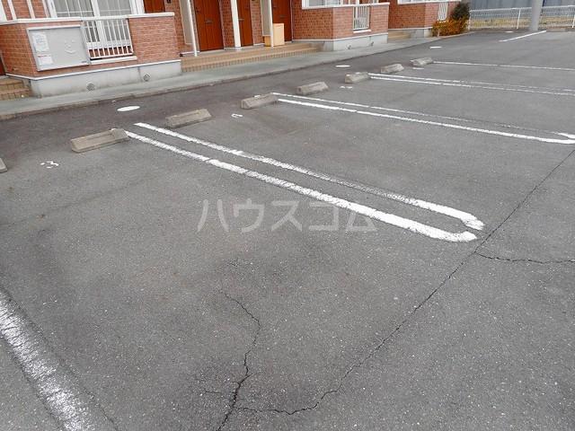 ペガサス・23 02030号室の駐車場