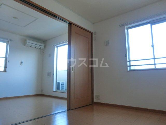 パッシオーネ C 201号室の居室