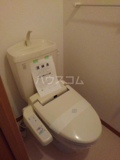 サン ビオラ 01030号室のトイレ