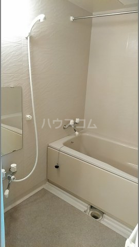 メゾン シリウス 401号室の風呂
