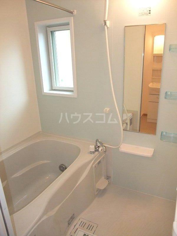 リュミエールB 01020号室の風呂
