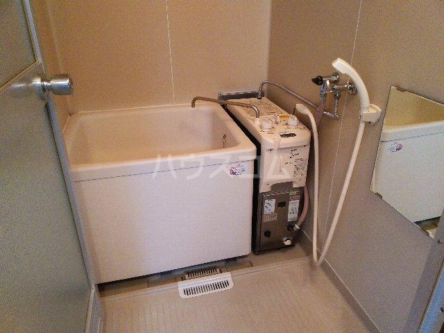幸友ハイツ 302号室の風呂