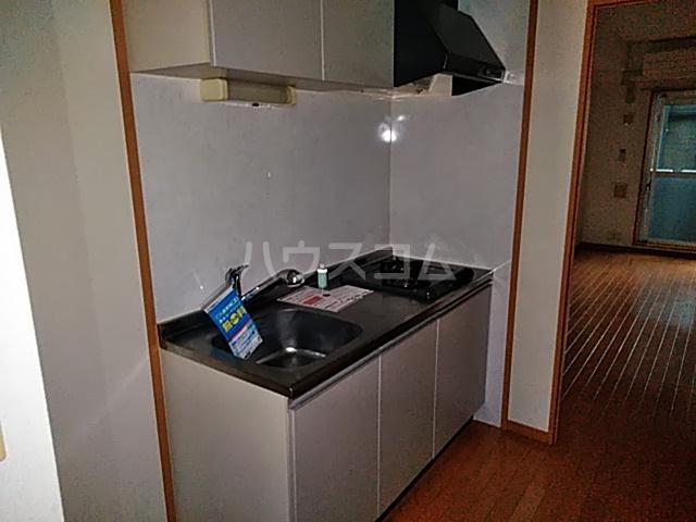 ノーブル・コーケ・横浜 404号室のキッチン