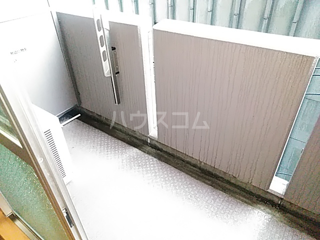 ノーブル・コーケ・横浜 404号室のバルコニー