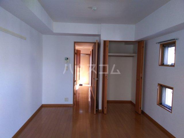 ノーブル・コーケ・横浜 701号室の居室