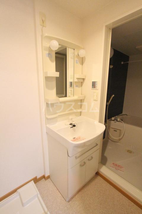 スピリットK 201号室の洗面所