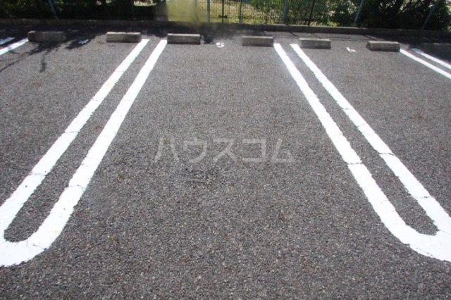 スピリットK 201号室の駐車場
