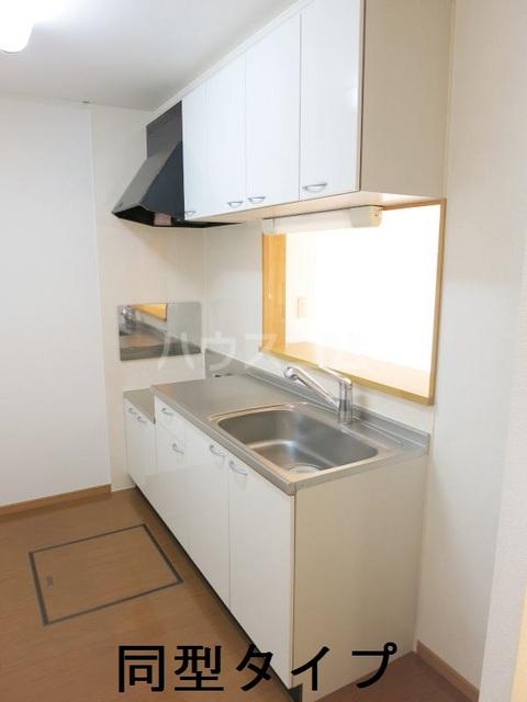 ラフィーネB B102号室のキッチン