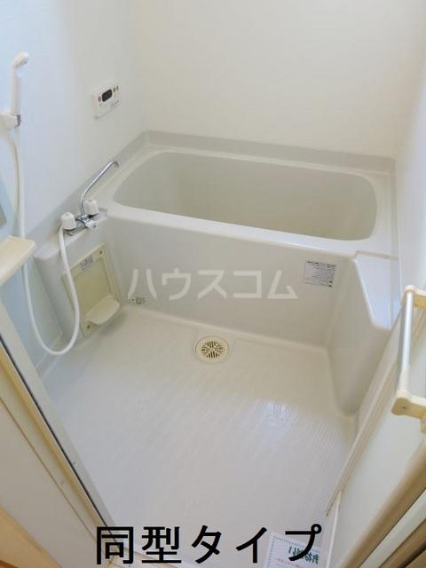 ラフィーネB B102号室の風呂