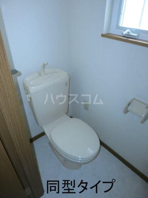 シャン・ド・フルールS 202号室のトイレ