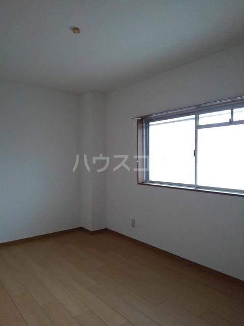 ロジュマン一宮 203号室の居室