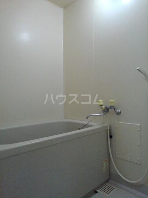 ロジュマン一宮 203号室の風呂