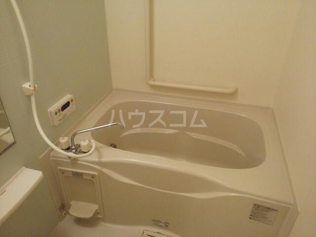 プラシードB 01020号室の風呂