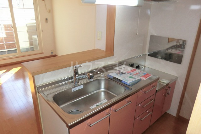 クリスタルハート 203号室のキッチン