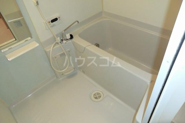 クリスタルハート 203号室の風呂