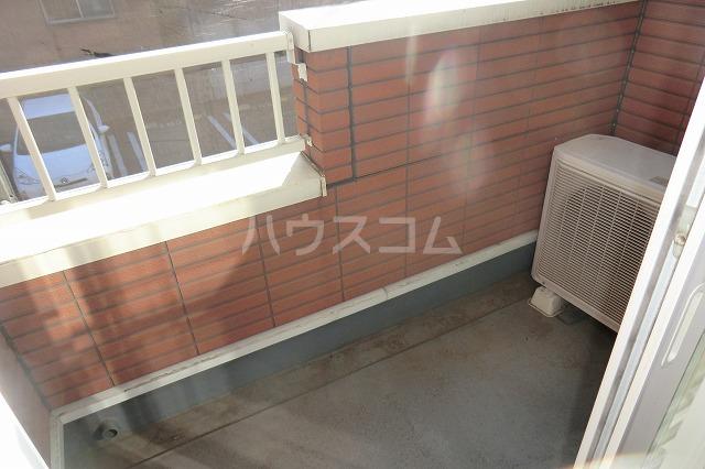 クリスタルハート 203号室のバルコニー