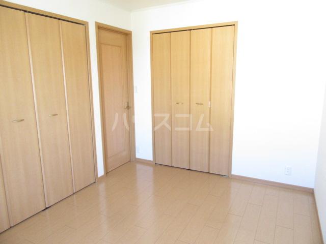 サンリット Ⅰ 02010号室のベッドルーム