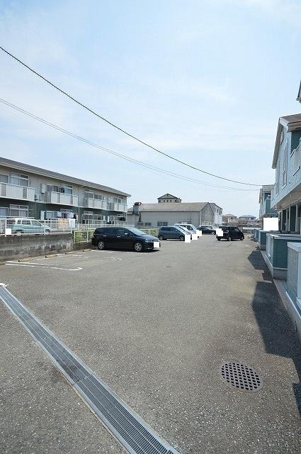 ファミール須恵 B 02030号室の駐車場