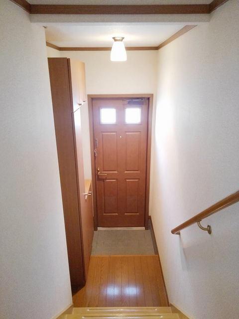 ファミール須恵 B 02030号室の玄関
