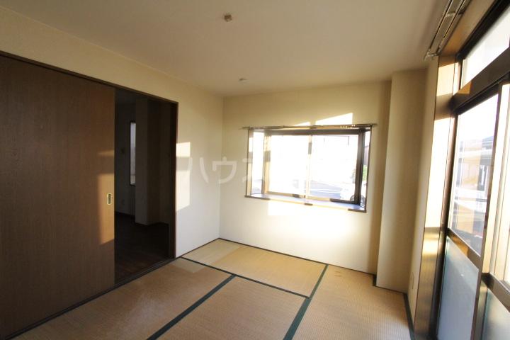 グリーンヒルTOYOTA 103号室の居室