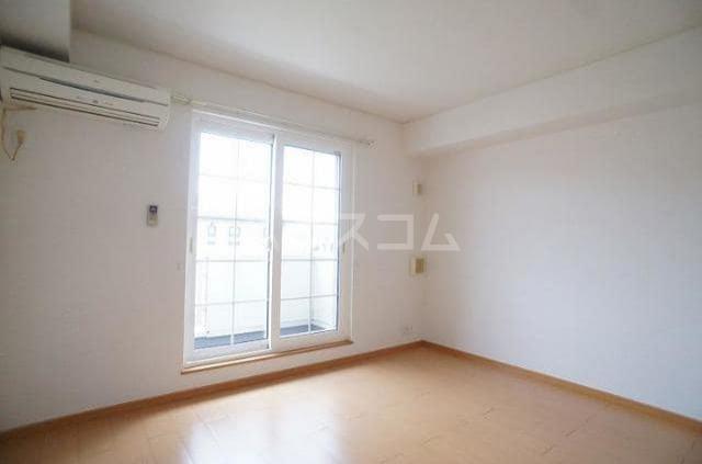 エレガンテA&S 02020号室のリビング