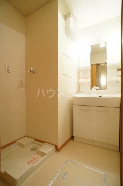 エレガンテA&S 02020号室の洗面所