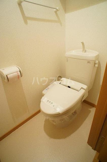 エレガンテA&S 02020号室のトイレ