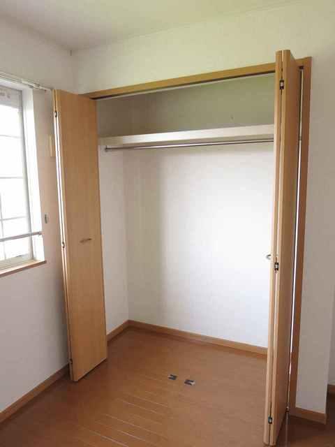 グランデールA 202号室の収納