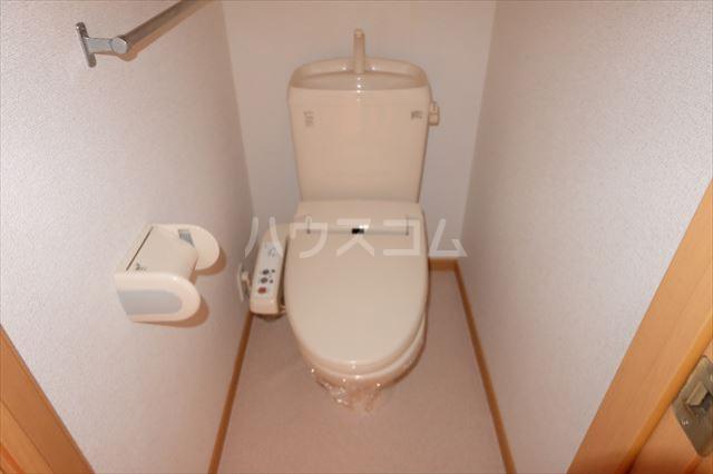 アンジュ・カルムA 01020号室のトイレ