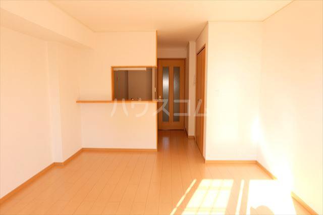 アンジュ・カルムA 01020号室の居室