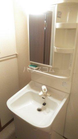 クレーデレ ドーノ メグミ 01040号室の洗面所