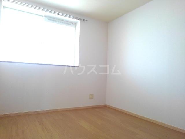 ターニングビレッジA 01010号室の居室