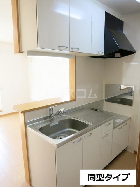 セントラル道本A 203号室のキッチン