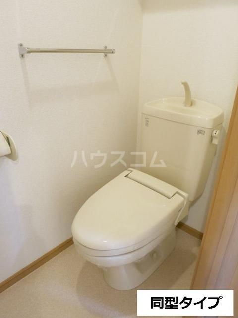 セントラル道本A 203号室のトイレ