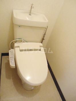 アーバンヒル 106号室のトイレ