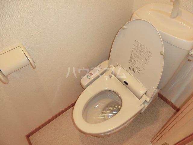 マンションM・K 312号室のトイレ
