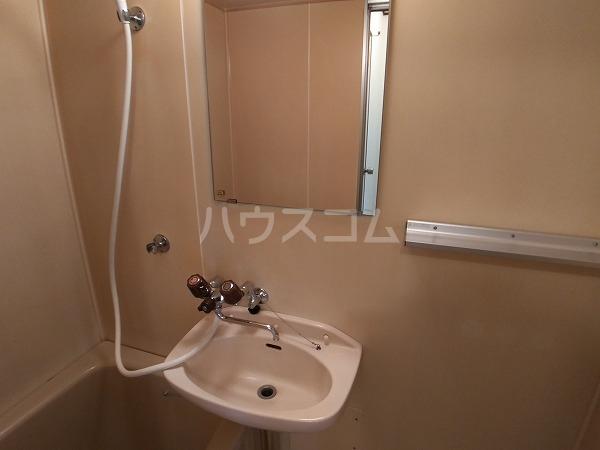 コーポラス岩津B棟 101号室の洗面所